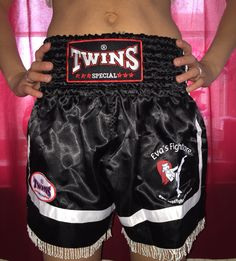 #twins Thaiboxhose #thaiboxerin #thaiboxshort #frauenkampsport #evasfightstore