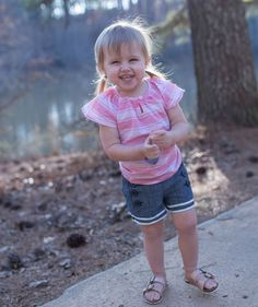 Tips for traveling this spring with young kids and details on ADORABLE outfits from @oshkoshbgosh! #BreakForSpring #OshKoshKids #Sponsored