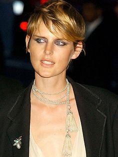 Stella Tennant... love the bronzed skin, nude lip and dramatic eye