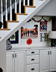 Cabinets under stairs for minibar in basement Staircase Storage, Stair Storage, Staircase Ideas, Space Under Stairs, Bar Under Stairs, Family Pictures On Wall, Family Photos, Hang Pictures, Family Posing