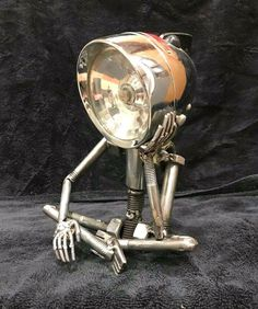 "Get excellent suggestions on ""metal art"". They are actually accessible for you on our site. Welding Art Projects, Metal Projects, Metal Crafts, Metal Sculpture Artists, Steel Sculpture, Sculptures, Lampe Steampunk, Miller Welding Helmet, Diy Luminaire"