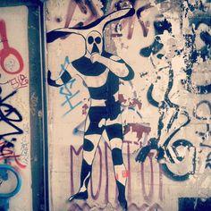 Pulcinella II #mistreetartour #milano #isola @espinoise #espi #milano2015 #milanocity #milanodavedere #milanodaclick #milanosiamonoi #milanosegreta #milanomonamour #street #streetart #streetpaint #streetartlovers #streetarteverywhere #streetigers #streetartitalia #streetartitaly #streetartmilano #graffiti #instagraffiti #instagraff #graffitiigers #murales #urbanart #stencilart by mistreetartour
