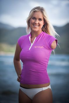 'Soul Surfer' Bethany Hamilton is pregnant with her first child - LA Times Bethany Hamilton Pregnant, Female Surfers, Professional Surfers, Pretty Quinceanera Dresses, Soul Surfer, Surfer Girl Style, Girls In Panties, Skateboard Girl, Surf Girls