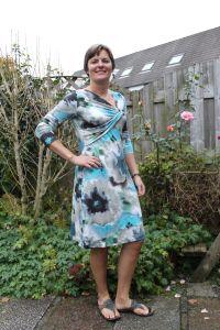 Assymetrische knoop jurk knipmode okt 2012