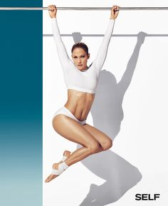 Jennifer Lopez is an American and Latina actress, businesswoman, dancer, and recording artist. Jennifer Lopez is well known for her super revealing and super sexy outfits Body Inspiration, Fitness Inspiration, Jennifer Lopez Body, Lopez Show, Jen Lopez, Pictures Of Jennifer Lopez, Fitness Photoshoot, Fashion Designer, Naomi Campbell