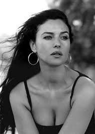 Resultado de imagen de monica bellucci black and white