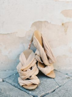 Stunning beige Gucci heels: http://www.stylemepretty.com/little-black-book-blog/2015/08/13/elegant-vow-renewal-in-the-heart-of-rome/   Photography: O'Malley - http://omalleyphotographers.com/