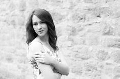 Aus dem Shooting mit https://www.instagram.com/an_na__lena/ heute ein S/W Foto. Gefallen Dir auch S/W Fotos? Freue mich über Deinen Kommentar dazu  #marburg #altstadt #portrait #shooting #lifestyle #dichknipser #fotodestages #mittelhessen #oberhessen #hessen #schwarzweis #s/w #photo #instaphoto #picoftheday #instagoods #photographer #bwstyleoftheday #bwoftheday #blackandwhitephotography #beauty #monochrome #photoday #beautiful #art #bnw_society #tagsta_bw #bnw_captures #picofday #photogram…