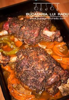 Tasty recipe of roasted kid goat in beer on a bed of vegetables. Easy to prepare roasted kid goat, marinated and slowly cooked in the oven with beer. Romanian Food, Cordon Bleu, Pot Roast, Bacon, Food And Drink, Yummy Food, Vegetables, Cooking, Ethnic Recipes