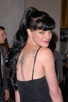 Pauley Perrette - Celebrity photos, biographies and Ncis Abby Sciuto, Pauley Perette, Ncis Characters, Ncis Cast, Cafe Racer Girl, Great Tv Shows, Female Stars, Famous Girls, Beautiful Wife