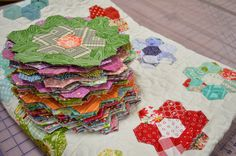 THE QUILT BARN: Hexies