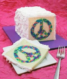 I'm so doing that cake for my daughter's hippy birthday