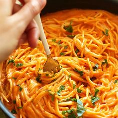 10 ingredient healthy roasted red pepper pasta that's vegan, gluten free, and incredibly creamy. Savory, simple and healthy - perfect for a satisfying weeknight meal.