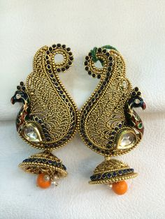 Peacock earing in trend