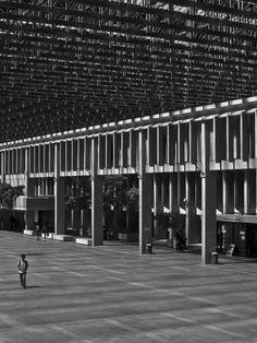 Simon Fraser University by Arthur Erickson - photos by World-3