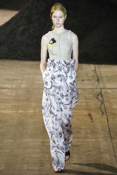 http://www.vogue.com/fashion-shows/spring-2016-ready-to-wear/3-1-phillip-lim/slideshow/collection