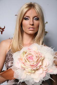 composite bouquet from Rosa petals, skeletonized leaveas Rose Wedding Bouquet, Bridal Flowers, Floral Wedding, Single Flower Bouquet, Hand Bouquet, Paper Flower Wreaths, Storybook Wedding, Fleurs Diy, Arte Floral