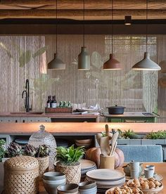 Image 15 of 19 from gallery of Roots House / Triplex Arquitetura. Photograph by Felipe Araújo Kitchen Furniture, Kitchen Decor, Bahay Kubo, 233, Interior Architecture, Roots, Home Accessories, Ceiling Lights, Gallery