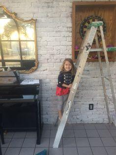 Easiest way to paint brick - Home & DIY Whitewash Brick House, White Wash Brick Fireplace, Paint Brick, Exterior Siding Colors, Stucco Colors, Paint Colors, Brick House Colors, Brick Ranch Houses, Brick Images