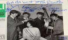 كاتب الأغاني جون لينون يبيع صحيفة قديمة…: عرض المغني وكاتب الأغاني الملقب بالجوكر جون لينون، صحيفة قديمة ضمت توقيعات مزورة لأعضاء فريق…