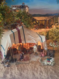 Another idea for a Three Kings tent. For Santons and Nativity figures and accessories for your Nativity scene - dior… Christmas Village Display, Christmas Nativity Scene, Christmas Villages, Nativity Scenes, Christmas Carol, Christmas Diy, Xmas, Fontanini Nativity, Diy Nativity