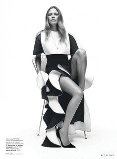 Clean Break in Elle USA with Tanga Moreau wearing Crist�bal Balenciaga,Manolo Blahnik - Fashion Editorial | Magazines | The FMD #lovefmd