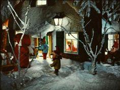 stereomat_slides_09 (iiyyyii) Tags: christmas winter snow film bears lantern slides gnomes dwarves vintagetoy vintageslides stereomat