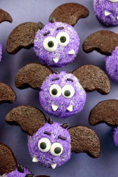 Itty-Bitty Bat Cupcakes