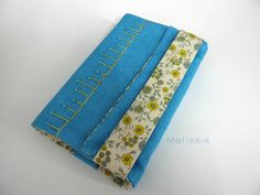 Protège-livre grand format fait main bleu et jaune : Autres papeterie par marissia