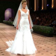 Vestido de noiva sereia coleção J'adore 2015 Nova Noiva.