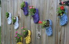Alte Schuhe bepflanzen – Ideen für originelle Pflanzgefäße im Garten