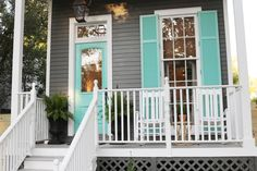 House With Porch, House Front, Front Porch, Exterior Paint Colors, Exterior House Colors, New Orleans Homes, New Homes, Small House Exteriors, House Paint Color Combination