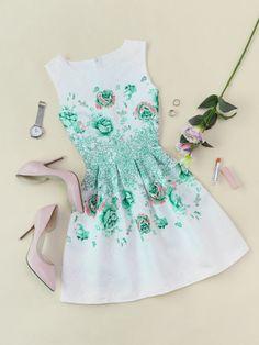Vestido con estampado floral de espalda con cremallera
