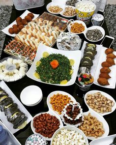 Discover recipes, home ideas, style inspiration and other ideas to try. Party Food Buffet, Large Group Meals, Mouth Watering Food, Balsamic Beef, Watermelon Recipes, Arabic Food, Turkish Recipes, Deco Table, Food Items
