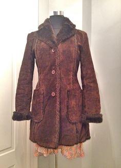 Mi Abrigo Zara piel y pelo doble faz de Zara! Talla 38 / 10 / M por 25,00 €. Echa un vistazo: http://www.vinted.es/ropa-de-mujer/abrigo-de-pieles/423441-abrigo-zara-piel-y-pelo-doble-faz.