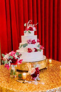Coordination & Florals by: Breezy Day Weddings Photo by: Eric Kieu Venue: El Cortez Hotel