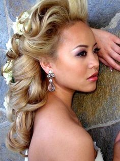Easy Wedding Hair Styles for Long Hair in a Traditional Wedding