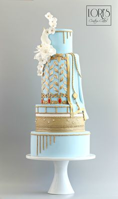 Elegant Indian Fashion Cake Collab by Lori Mahoney (Lori's Custom Cakes) Extravagant Wedding Cakes, Beautiful Wedding Cakes, Gorgeous Cakes, Pretty Cakes, Amazing Cakes, Indian Cake, Indian Wedding Cakes, Art Deco Cake, Cake Art