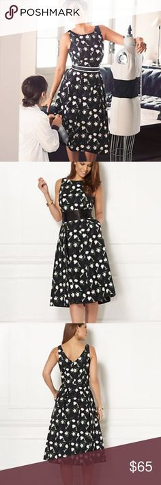 PRICE DROP! 🎉Eva Mendes Felicity Dress Feminine floral dress! Worn only once & very comfortable. Dress has pockets and this dress creates a flare bottom making your waist look smaller. Perfect for summer! No stains no damage. Eva Mendes Dresses