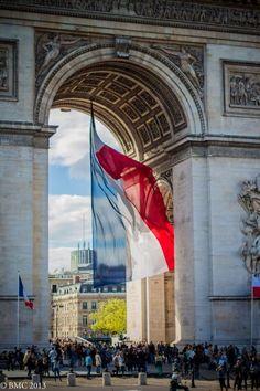 Arc de Triomphe, Bastille Day ~ Bonparisien flag Parmalink, Paris, France