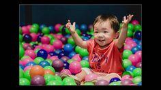 A @tantao.artescriativas montou esta  linda mesa decorada com o tema Verão para o pequeno Caio comemorar o seu primeiro aninho aqui no buffet infantil Miniland Tatuapé! Muita fofura rolando nessa festa!! 🌀☀️🎈   Foto e clipe do Rafael Mirra  http://www.rafaelmirrafotografia.com.br  • Dê um like no vídeo ;D Muito obrigada! • Inscreva-se no canal: https://www.youtube.com/user/miniland  • Mais Miniland e Museu Miniland buffet • Instagram: https://instagram.com/buffetminiland