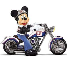 Disney NFL Figurine: Pittsburgh Steelers Headed For Victory Mickey Mouse Tattoos, Mickey Mouse Art, Mickey Mouse Wallpaper, Mickey Mouse And Friends, Disney Wallpaper, Walt Disney Characters, Cartoon Characters, Mickey Mouse Pictures, Silhouettes