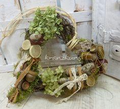 Natural heart ♥ ♥ forest heart door wreath country house - a designer piece of art wreath on DaWanda Diy Spring Wreath, Diy Wreath, Grapevine Wreath, Deco Floral, Arte Floral, Wreaths For Front Door, Door Wreaths, Nature Crafts, Autumn Inspiration