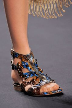 Anna Sui Spring 2014 Ready-to-Wear Detail - Anna Sui Ready-to-Wear Collection