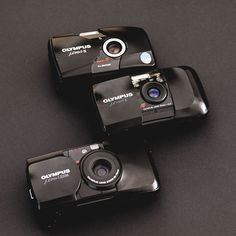 Olympus Camera - Ideas That Produce Nice Photos Irrespective Of Your Skills! Vintage Camera Decor, Vintage Cameras, Antique Cameras, Reflex Camera, Camera Gear, Point And Shoot Camera, Shoot Film, Olympus Digital Camera, Lomography
