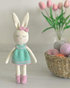Crochet Rabbit Free Pattern, Crochet Amigurumi Free Patterns, Crochet Blanket Patterns, Free Crochet, Crochet Teddy, Easter Crochet, Crochet Dolls, Crochet Doll Tutorial, Crochet Tutorials