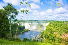 Motivos não faltam para visitar Foz do Iguaçu. As Cataratas - as maiores quedas d'água do mundo em termos de volume - é apenas um deles.  Confira outros motivos para incluir Foz do Iguaçu na lista de desejos >>> http://www.guiaviagensbrasil.com/blog/6-motivos-especiais-para-colocar-foz-do-iguacu-na-sua-lista-de-destinos/