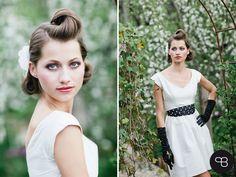 Pretty white blossom, bridal accessories. Photo: Birgit Hart