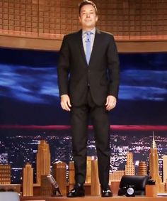Jimmy Fallon choked back tears in this touching clip and tribute to Robin Williams