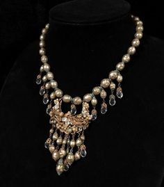 Vintage Miriam Haskell Classic Baroque Pearl & Crystal Necklace #MiriamHaskell